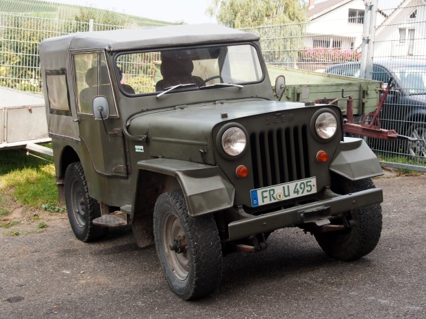 Old_Jeep_in_France,_pic2