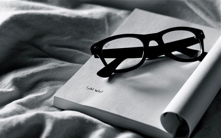 ae94442127e69bfc23b5df64203b9150--book-wallpaper-ray-ban-glasses
