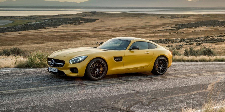 2015-Mercedes-Benz-AMG-GT-24
