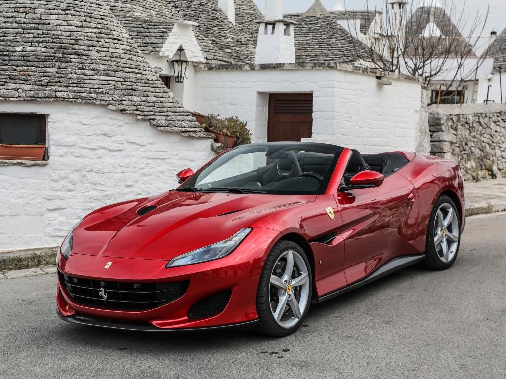 2018-Ferrari-Portofino-in-Italy-9